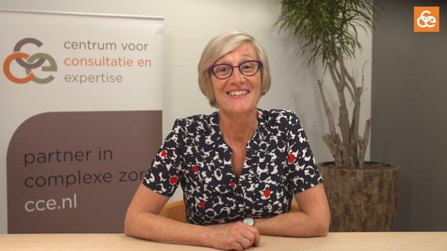 Impressie van een online sessie e-learning voor verzorgenden met Catrien Aarnoudse